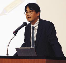 講演する柳川敏彦教授