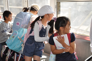 伊太祈曽駅で「電車教室」