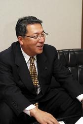 中村裕一選対本部幹事長(50)