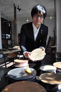 和歌山市出身の備前焼作家・藤田祥さん