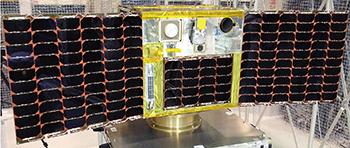打ち上げられる人工衛星「UNIFORM―1」