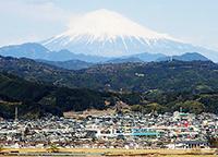安倍川から富士山を望む
