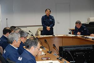 災害対策本部会議で所感を述べる仁坂知事