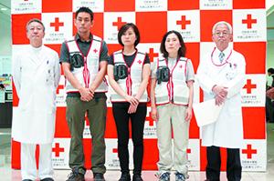 出発する(左から2人目から)古宮さん、大谷さん、榊本さん