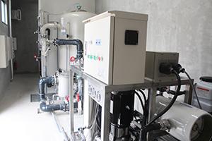 施設の一室に設置された浄水装置
