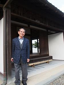 「復元し、観光の拠点にしたい」と吉田会長(名手本陣で)