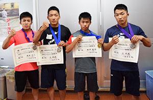 世界とアジアの頂点目指す(左から)岡本君、開成君、田中君、大成君