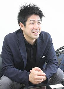 日本代表を指揮する上田さん