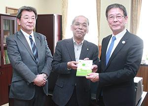 富永さん㊥と下副知事㊨、山下直也県会議員