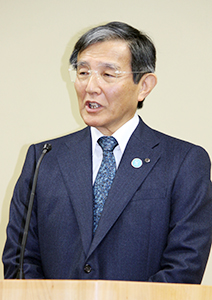 記者会見で謝罪した仁坂知事
