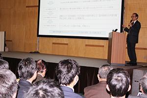 世界かんがい施設遺産について話す林田副会長