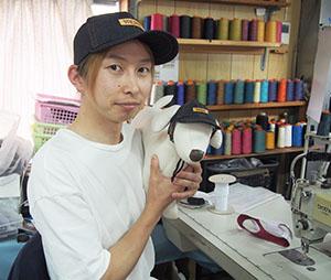 「愛犬とそろいの帽子をぜひ」と浩輔さん