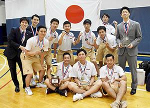 銀メダルを獲得した日本代表メンバー(上田監督提供)
