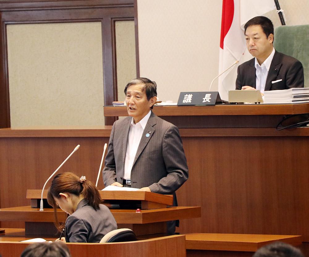 停電の対応について答弁する仁坂知事