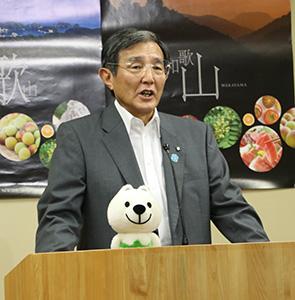 新政策の方針を説明する仁坂知事