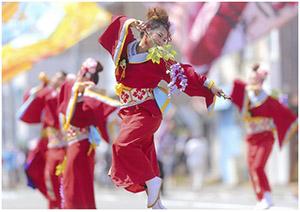 紀州よさこい大賞に輝いた神足さんの「高松 最高!」(NPO紀州お祭りプロジェクト提供)