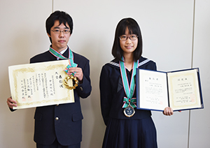 大賞の中谷君と銀賞の小坂さん