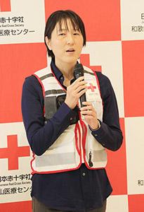 支援活動への決意を話す平田さん
