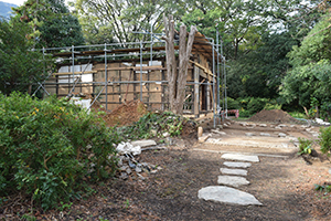 再生・復元が進められる鈴木屋敷(海南市提供)