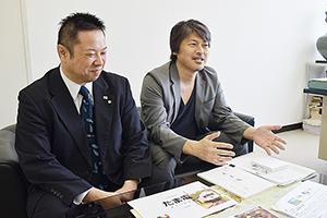 映画制作への思いを話す奥さん㊧と大橋さん