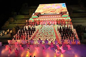 封禅の儀式を再現したショー「中華泰山・封禅大典」