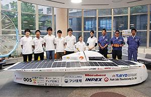 和歌山大学ソーラーカープロジェクトのメンバーと太洋工業の皆さん