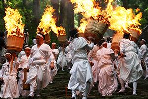 勇壮な熊野那智大社の「那智の扇祭り」