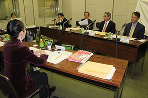 和歌山の発展について意見を交わす議員たち