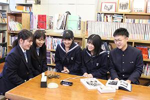 再指定を喜ぶ生徒たち