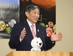 新型肺炎への対応について述べる仁坂知事