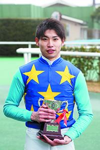 2016年2月13日、 小倉競馬場12Rで優勝した長岡騎手(写真:日本中央競馬会)