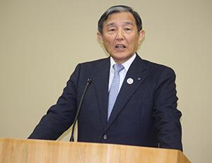 休校を発表する仁坂知事