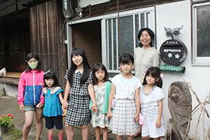 子どもたちと共に宮島代表