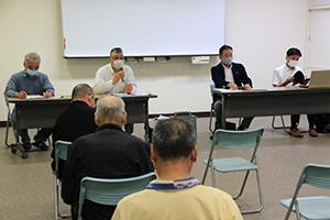 許認可の判断が遅れていることに不満の声が上がった楠見花木生産組合の総会
