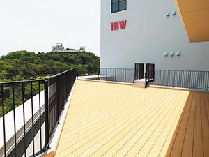 和歌山城が一望できる4階テラス