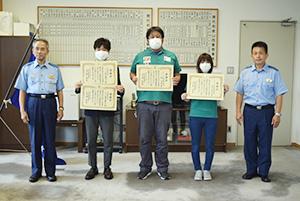 (中央左から)野尻局長、柳さん、田中さん