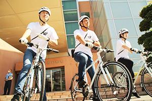 自転車の取り締まりに向かう疾風のメンバー