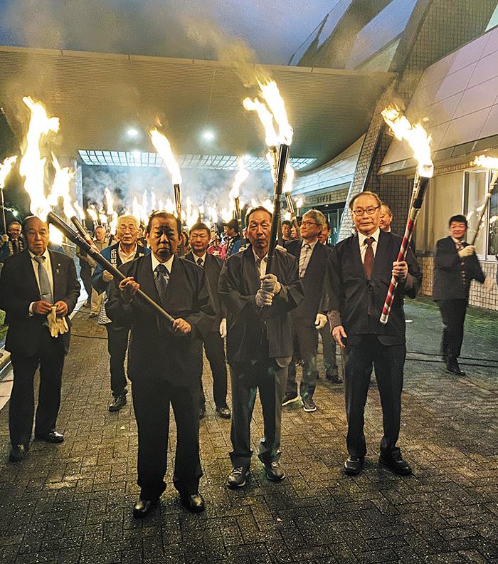 濱口梧陵をたたえる「稲むらの火祭り」に参加