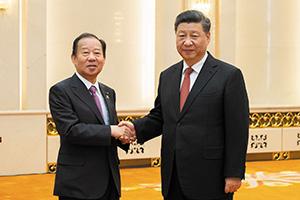 中国・北京の人民大会堂で習近平国家主席と会談(2019年4月)
