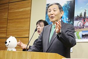 県内の感染状況を語る仁坂知事