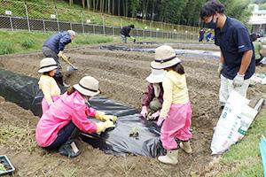 農業を楽しもう(和歌山市提供)