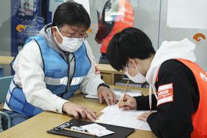 災害時のボランティア活動で必要なものを確認