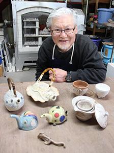 趣もさまざまな陶芸作品と北島さん