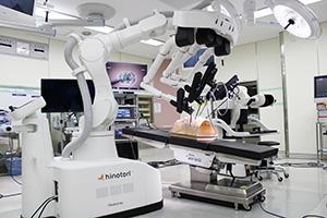 国産初の医療用ロボット「ヒノトリ」(県立医大提供)