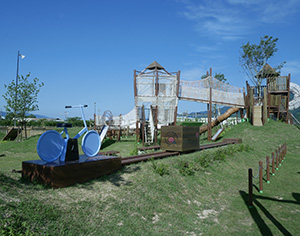 自然豊かな環境で遊べる(紀の川市提供)