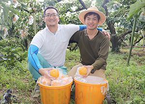 若手農家の小倉さん㊧と城本さん