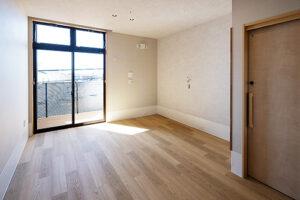 居室はバルコニー付きのプライベート空間